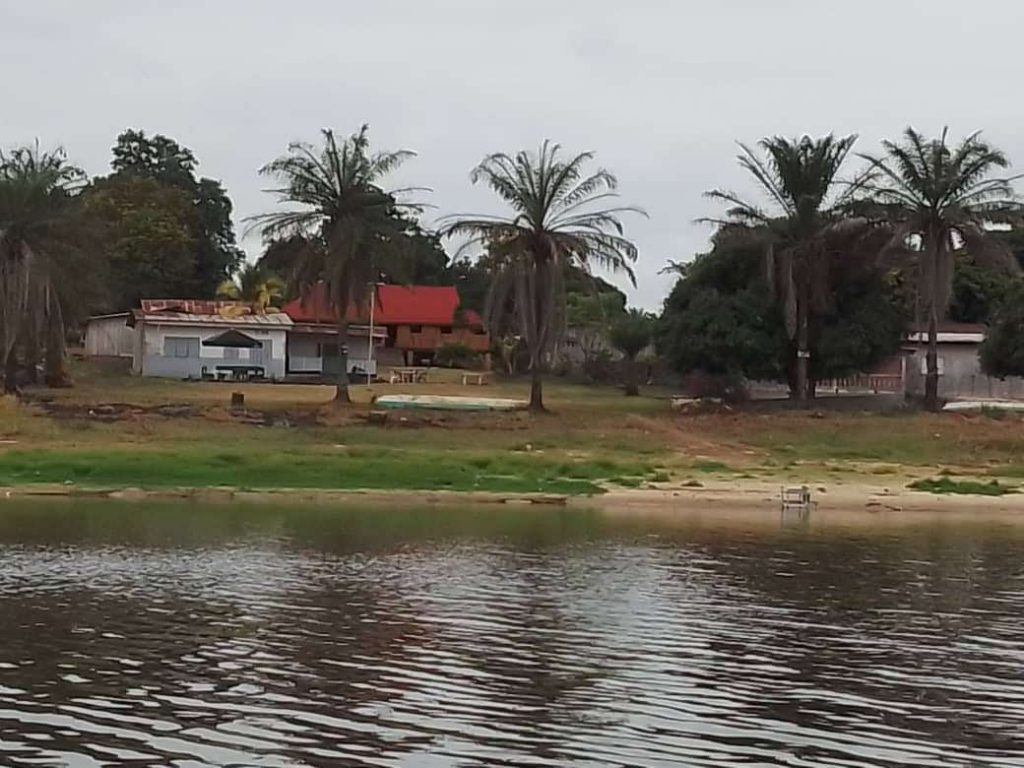 Chez tata Okèlè à Nombédouma